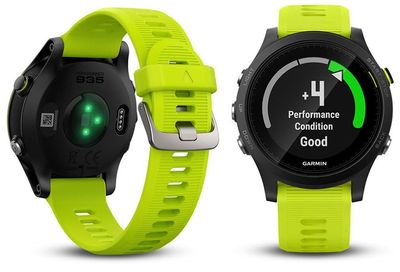 Montre GPS Garmin FR 935 TRI Bundle